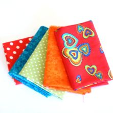 Pack of 5 100% Cotton Hippy Chic Red Hearts Fat Quarters